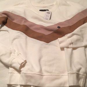 NWT Abercrombie & Fitch crew neck sweatshirt